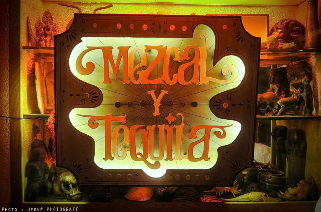 Enseigne Lumineuse Mezcal y Tequila