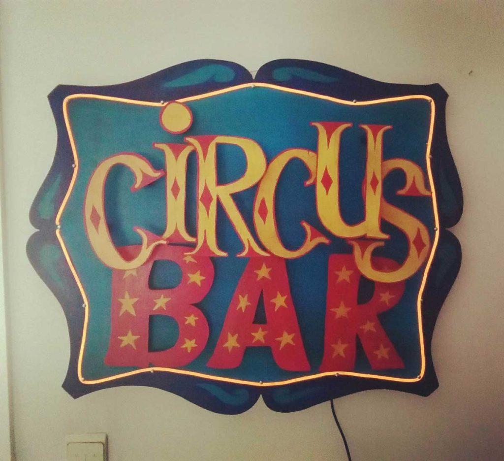 Funkisign Circus Bar
