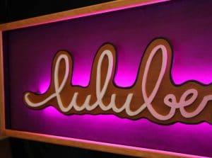 Funkisign Enseigne lumineuse pour la créatrice de chapeau Luluberlu