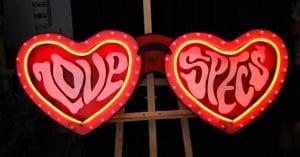 Enseigne Love Specs