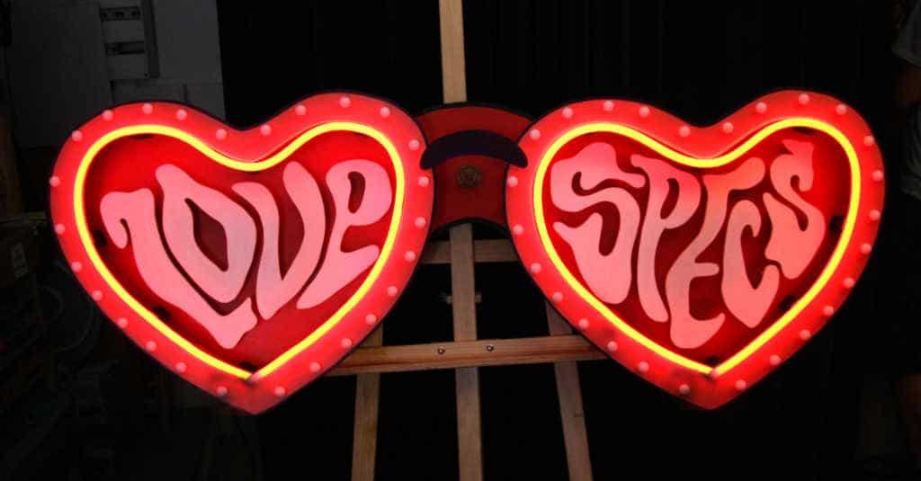 Enseigne Lumineuse Love Specs