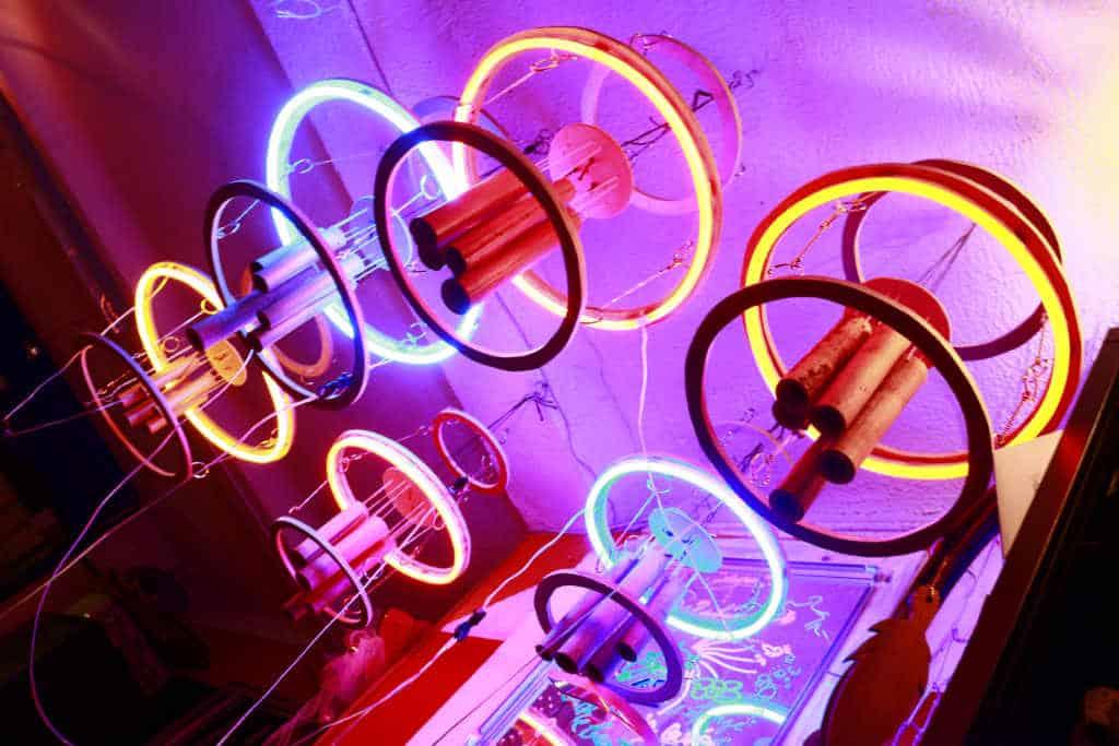 Lampe néon carillon aérien électronique