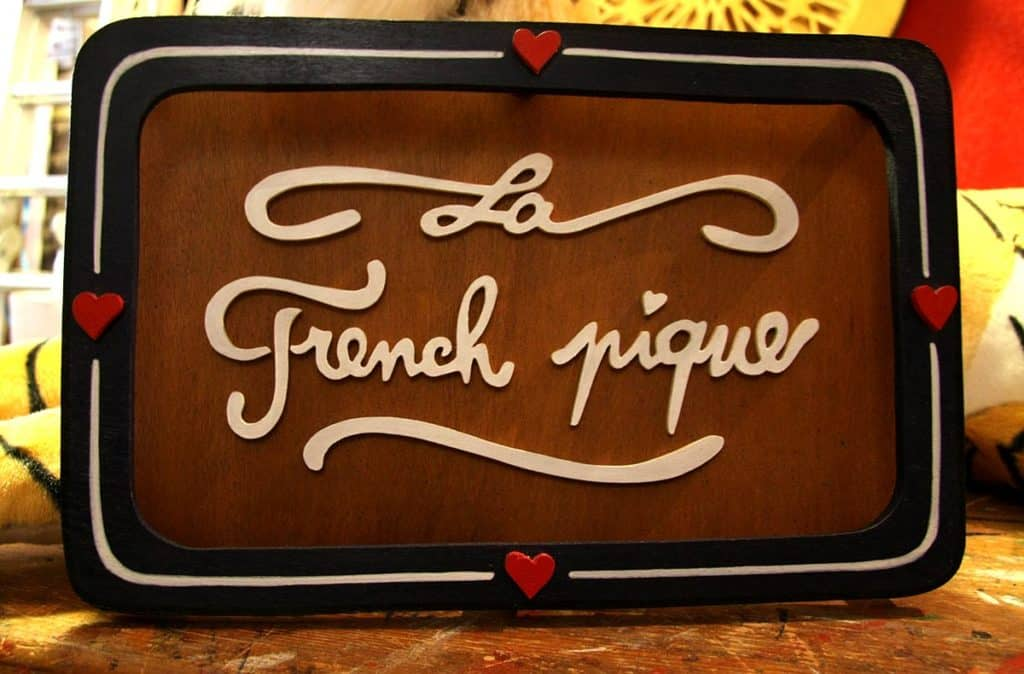 La French Pique Funki Sign