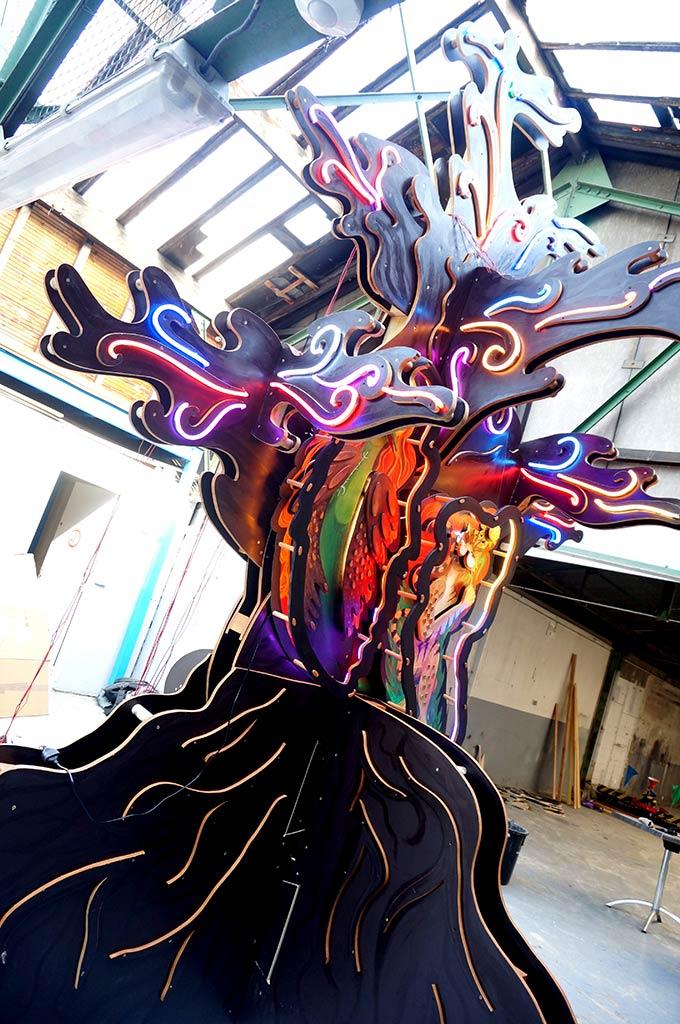 Funki Tree neon