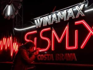 winamax Funki Sign