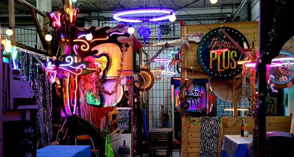 Installation lumineuse Funki Sign