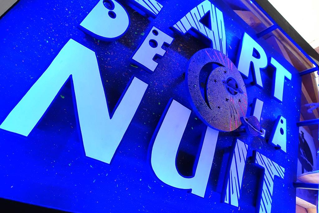 scénographie et néon sur mesure L'art de la nuit art evenementiel 3