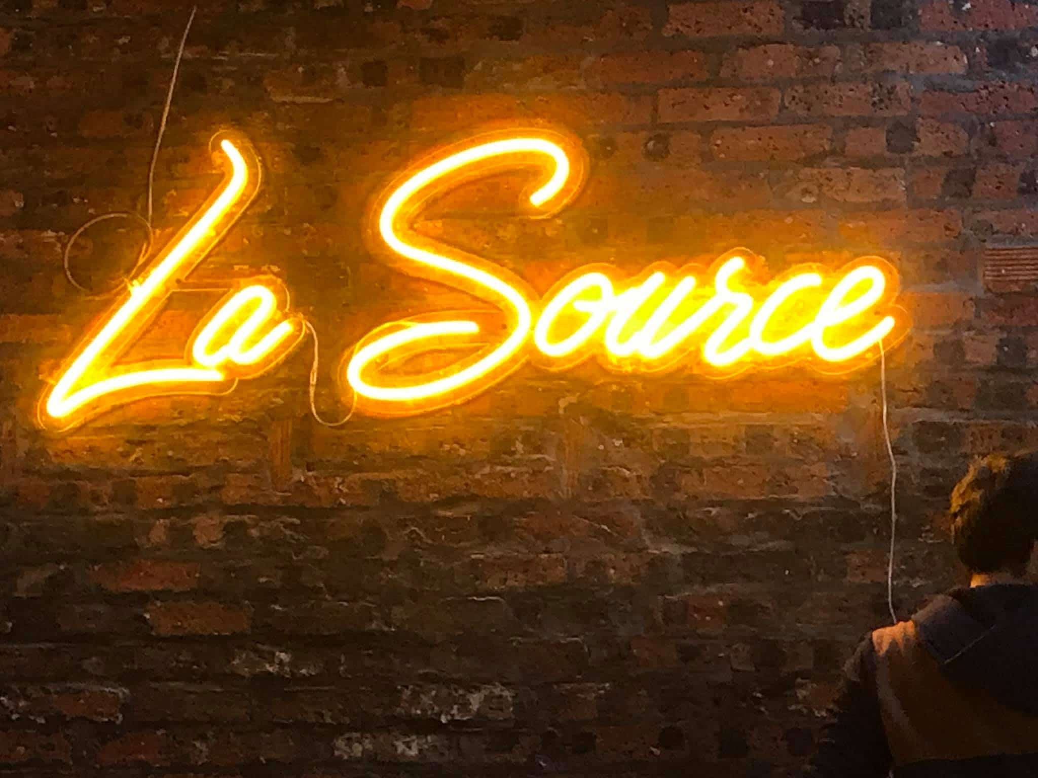 Neon sign La Source