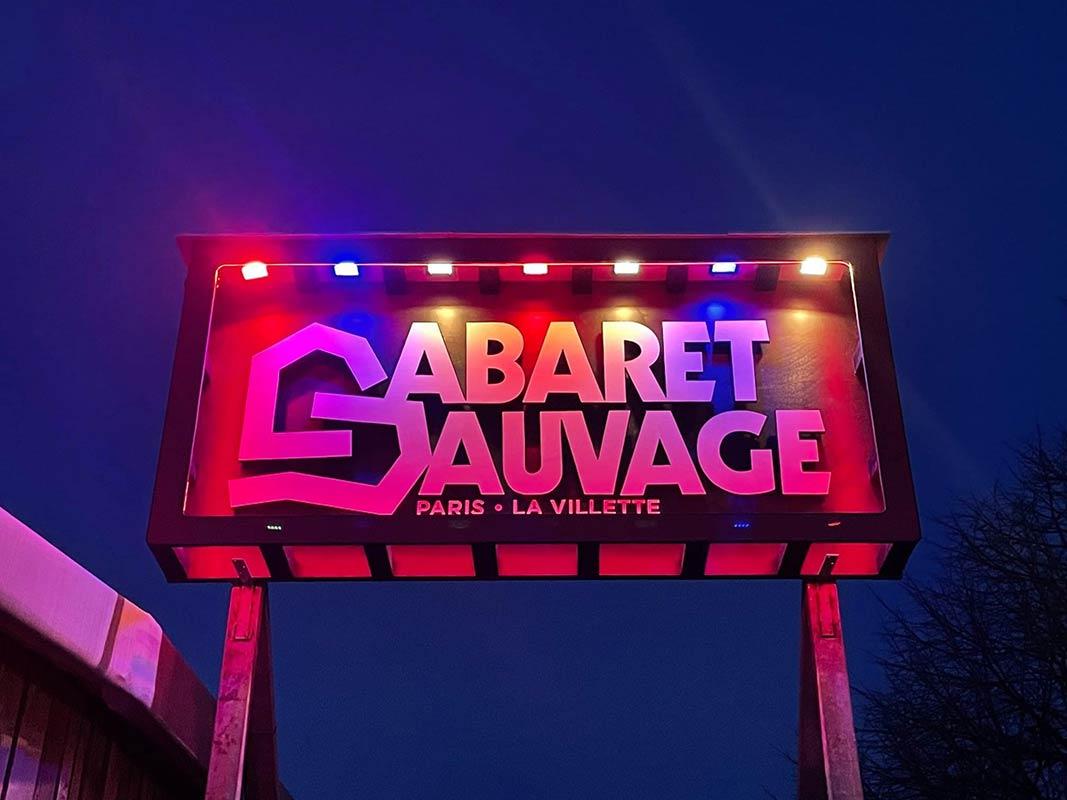 Cabaret Sauvage, Enseigne lumineuse