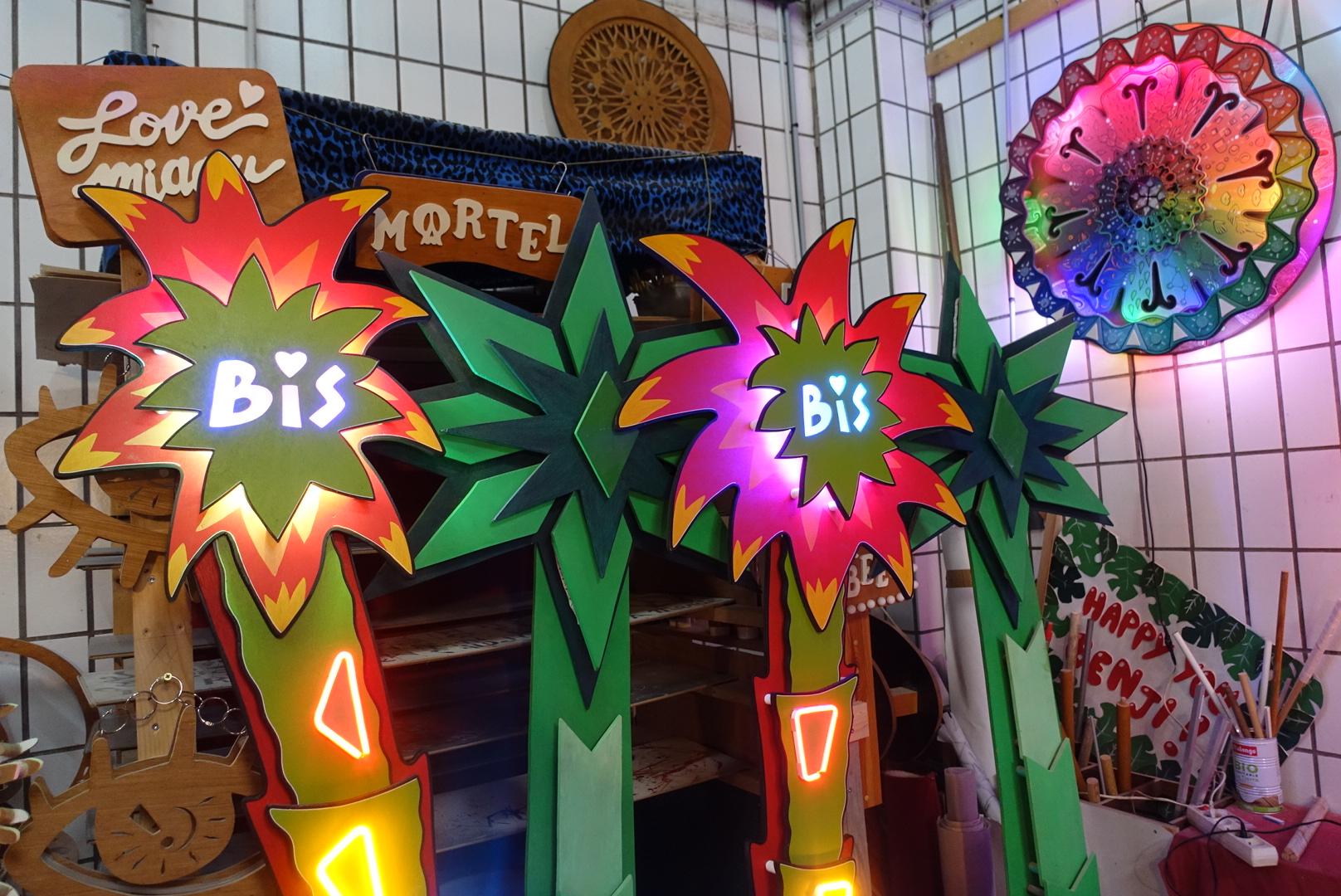 Palmiers Bois, led et neon